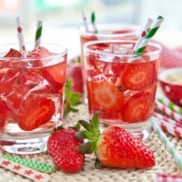 Strawberry-Apple-Homemade-Sweet-Tea